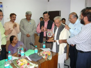 Kedarnath Singh and Mohd Hasan honored by VN Rai VC-R Kumar Rector at CIL-JNU seminar-28th Oct.-2009