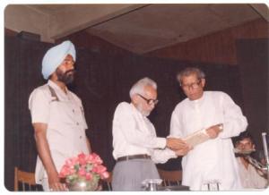 Beech ka Rasta Nahin Hota release-Triveni-Delhi-25-3-89