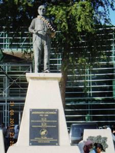 Jegennath Lachoman stature in Paramirabo-Suriname
